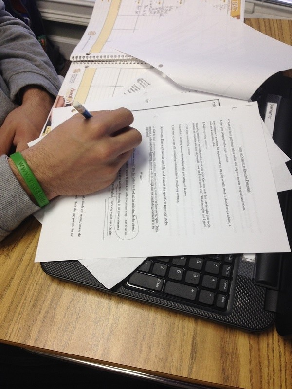 Finding topic, supporting sentences, and conclusion sentences
